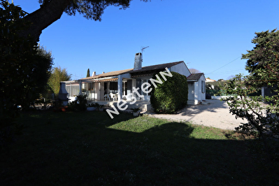 Maison La Ciotat  Saint Jean  110 m2 , dependance 20m2  , Garage 30 m2, Terrain, Piscine