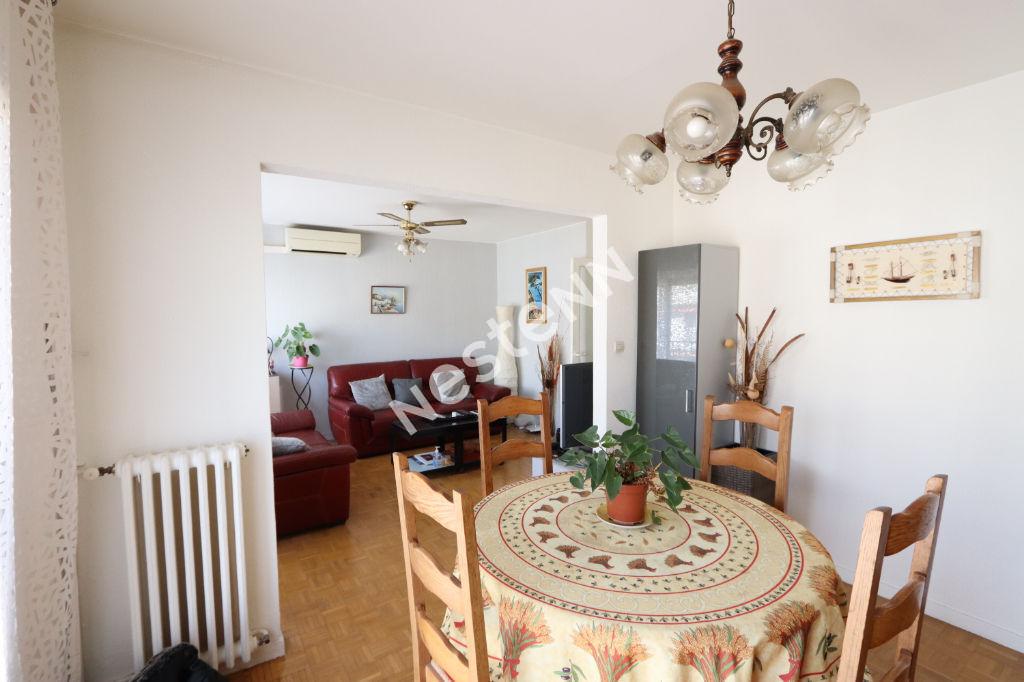 Appartement Marseille 3-4 pièces 67 m² 13003 Marseille avec une place de parking souterrain.