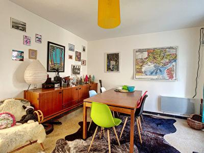 Appartement Saint Cyr Sur Mer en rez de jardin de 4 pieces de 75 m2