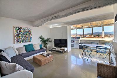 Appartements Cuers 8 pieces 218.05 m2 - Investissement locatif