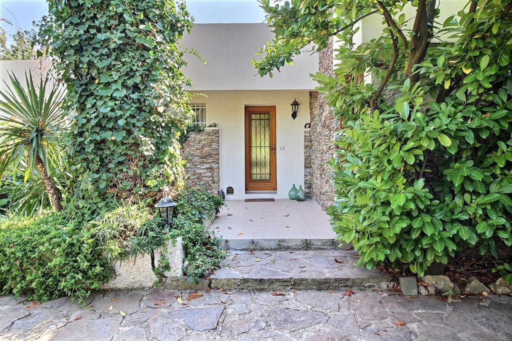 Maison Le Pradet 5 Pieces 151 84 M2 Villa Californienne De Plain Pied