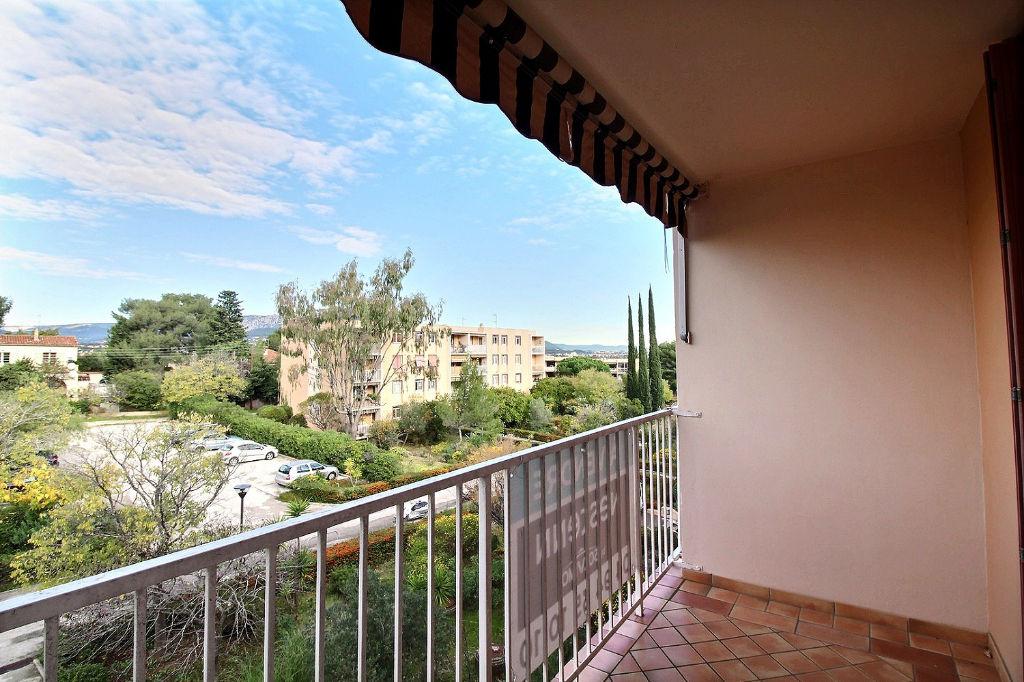 photos n°1 Appartement Le Pradet 4 pièce(s) 76.41 m² - Secteur calme, résidentiel et recherché