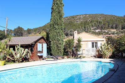 Maison Sollies Toucas 7 pieces terrain 1730 m2