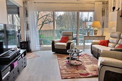 Appartement 76 m2 refait a neuf Merignac  Bourranville Balcon Plein Sud Parking