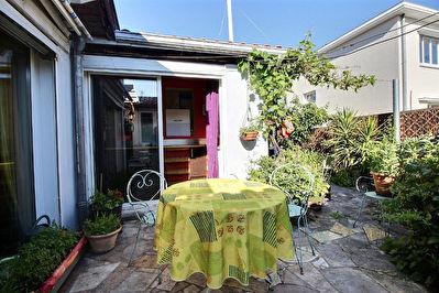 Maison Merignac 3 pieces 76 m2 au calme sans vis a vis avec dependance