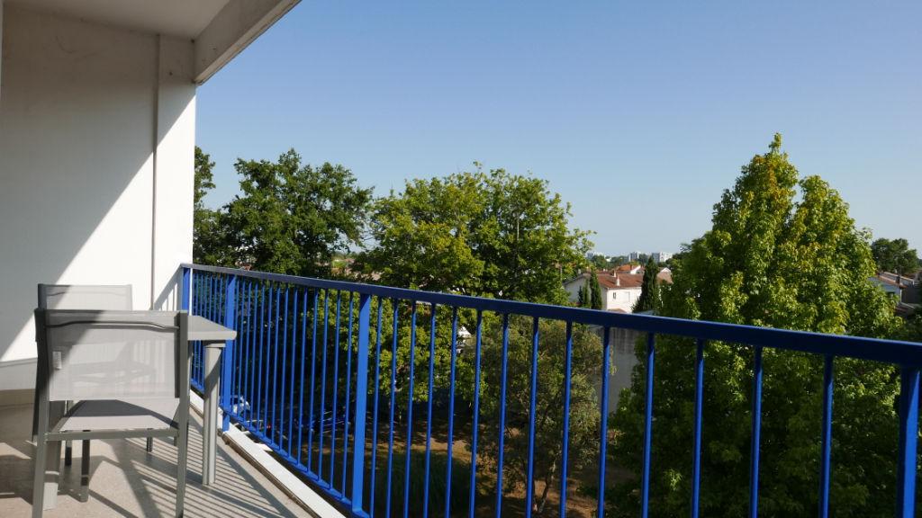 Appartement Mérignac 80 m2  Balcon  plein -sud sans vis à vis au calme avec  Garage possible