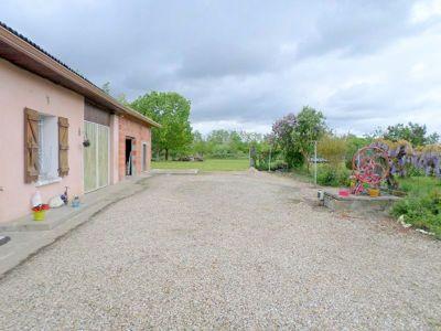 Maisons + terrain constructible a Meauzac