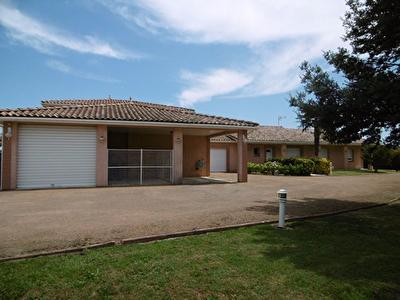 Maison t5 165 m2 + dependances 140 m2 Grisolles