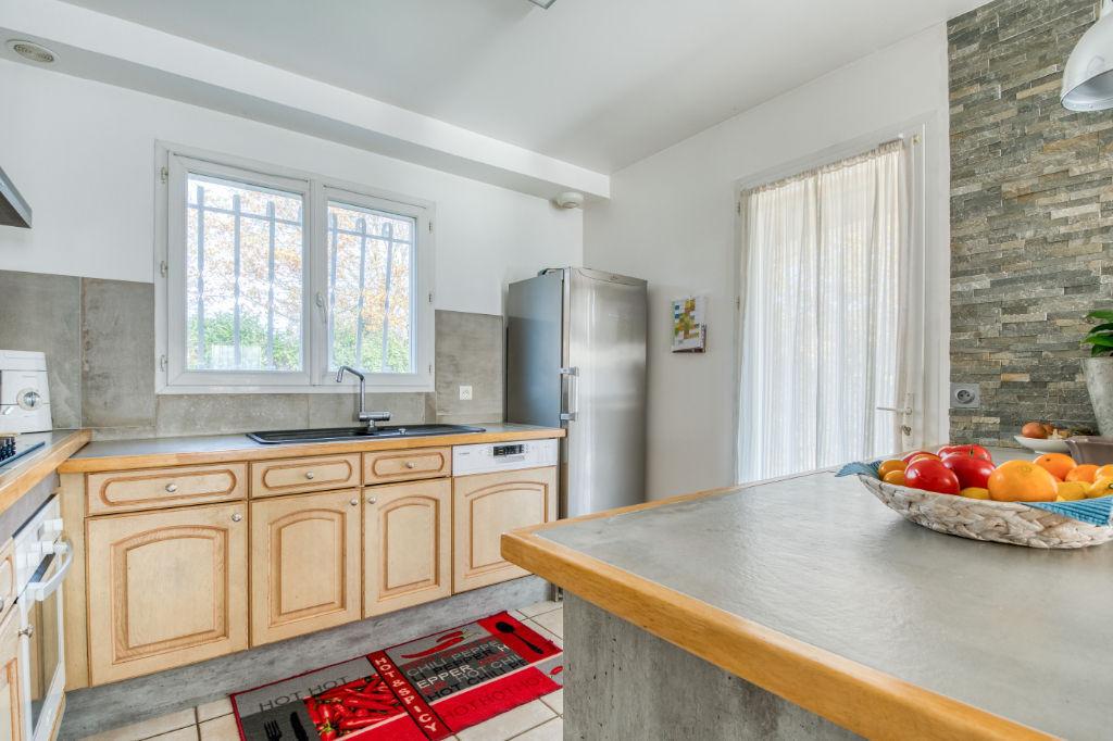 Grande maison avec bel environnement proche Montauban