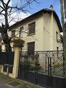 Maison Lyon 7 pieces 170 m2