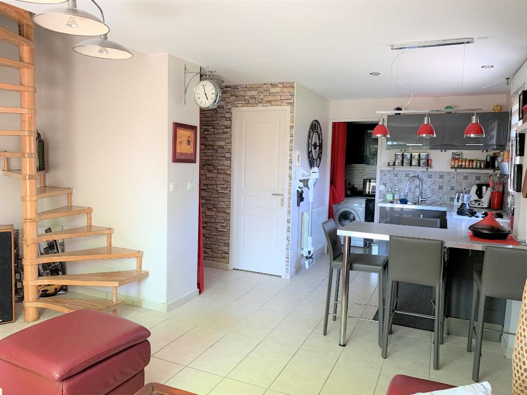 Appartement 3 pièces 63 m2 Mionnay centre village