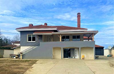 Maison Vienne secteur hopital 8 pieces 230 m2