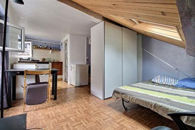 75009 Liege - Studio 4eme et dernier etage (exposition sud)