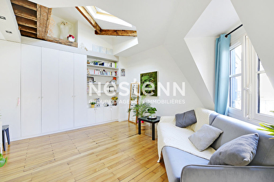 75004 - Quartier Arsenal - Studio en parfait etat - Dernier etage