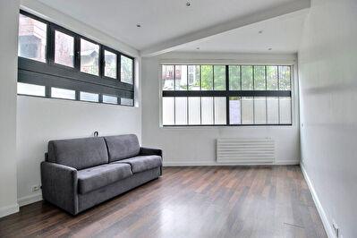 Exclusivite Nestenn  11-  Quartier Pere Lachaise Studio meuble de 33 m2 en Rez-de-Chaussee