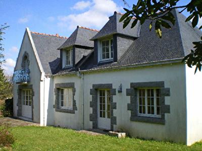 Maison FOUESNANT - 7 pieces - 208 m2