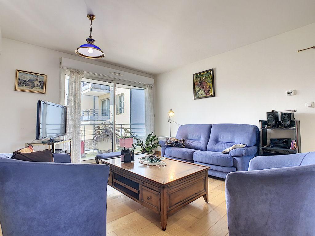 photos n°1 Appartement 2007 centre-ville - 2 chambres et balcon + garage