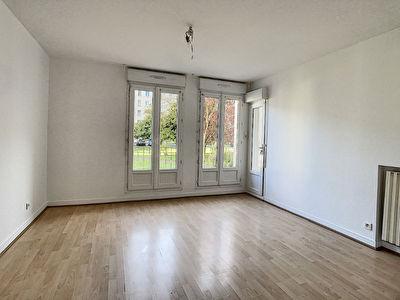Appartement de type 3 a deux pas des commerces !