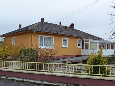 Maison familiale plain pied Valmont - 6 pieces