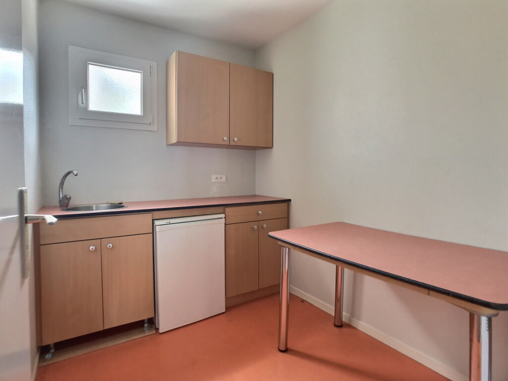 Bureaux Faulquemont 6 pièce(s) 153.1 m2