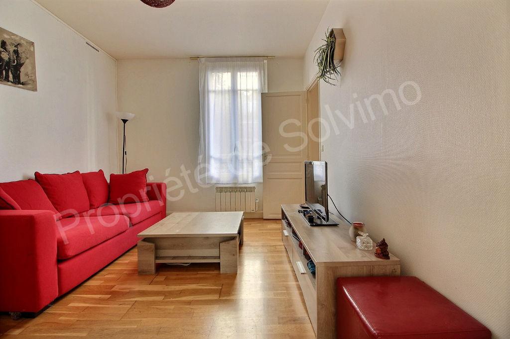 photos n°1 Appartement Suresnes 3 pièces 40 m2