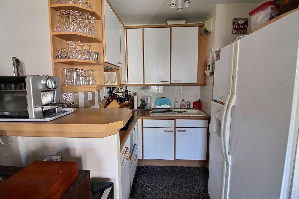 Appartement Suresnes 2 pièces 65m² + Terrasse + Parking