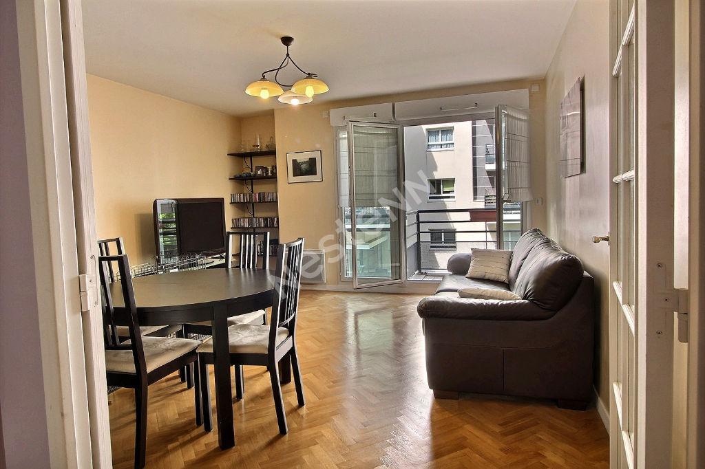 Appartement Suresnes 3 pièces 68m2 + 2 Balcons + Parking