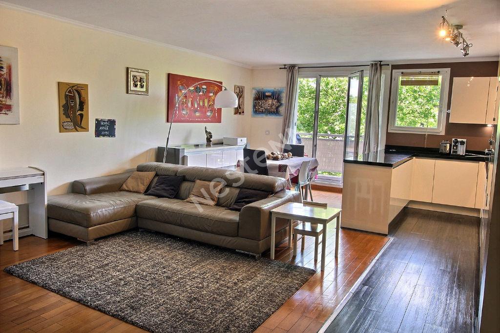 Appartement 3 pièces 69m² + Balcon 8m2