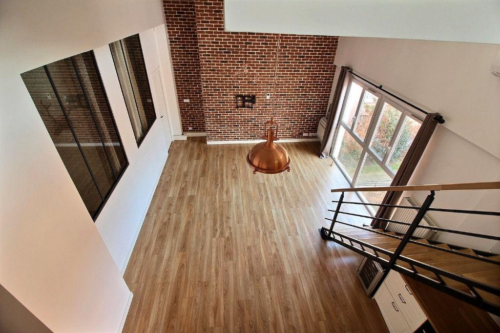 Loft  Suresnes : 4 pièces 90 m² + Parking