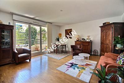 Appartement 112 m2 + 2 balcons + 1 parking