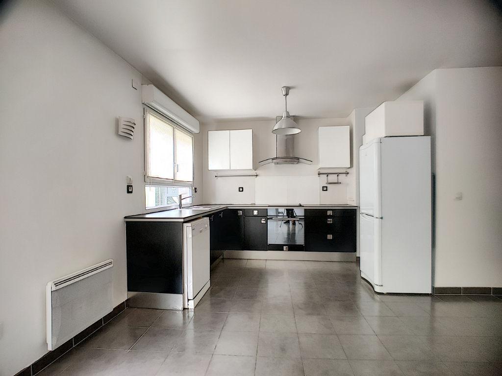 Appartement 4 pièces 86m² + 10m² de terrasse (2) + Parking