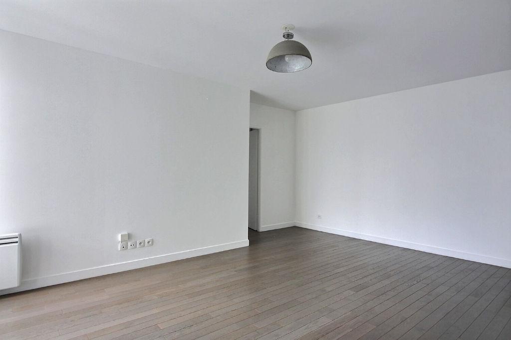 Appartement Suresnes 3 pièces 64 m² + balcon + parking