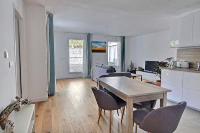 Appartement 2 pieces 58 m2 + terrasse de 41 m2