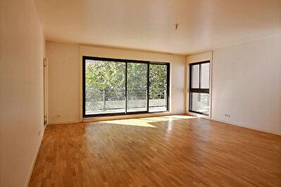 Appartement 4 pieces 97m2  + Balcon (13m2) + 2 places de Parking