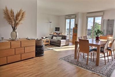 Appartement Suresnes 5 pieces 107 m2 + 2 balcons + 1 parking