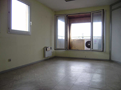 BUREAU VITROLLES - 80 m2