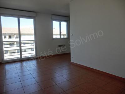Appartement Vitrolles 1 piece 32 m2  + GARAGE