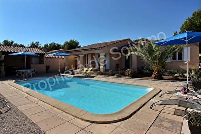 Villa Vitrolles 5 pieces plain pied plus T2 independant plain pied avec piscine