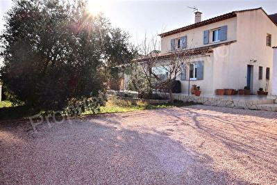 Villa traditionnelle Vitrolles 4 pieces 127 m2