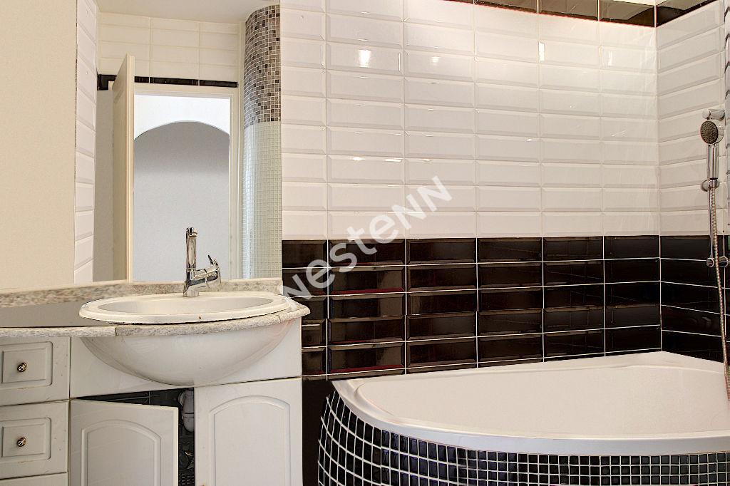 Appartement  Vitrolles 3 pièce(s) 69m2