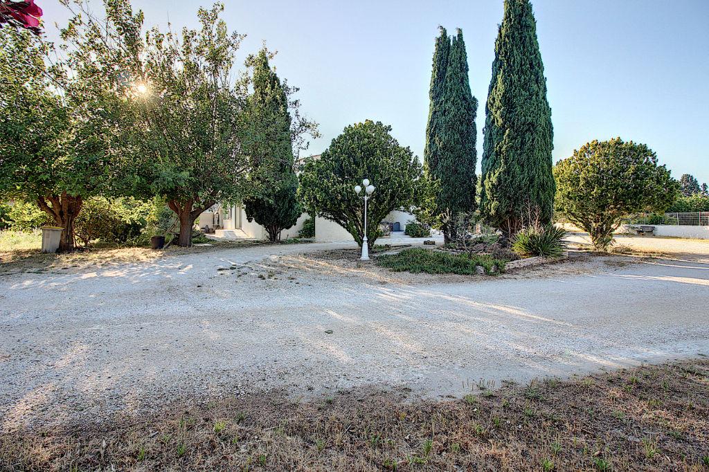 Maison de plain pied Berre L'étang 3 pièce(s) d'environ 90 m² avec  4000 M² de terrain