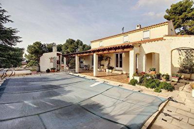Villa Vitrolles 7 pieces 181.78 m2