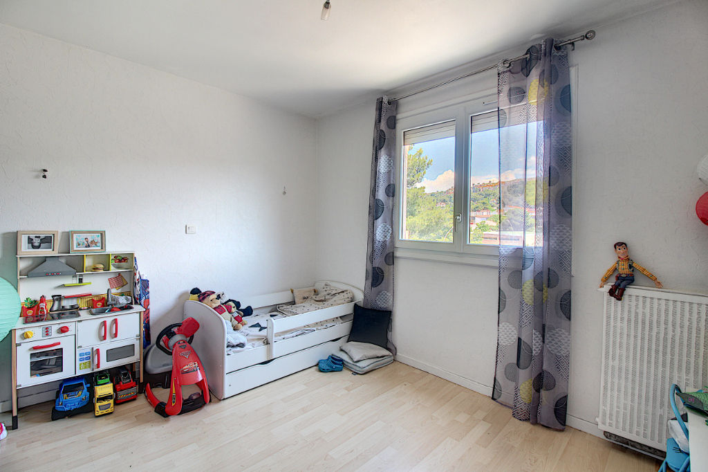 Appartement Vitrolles 4 pièce(s) 82 m2