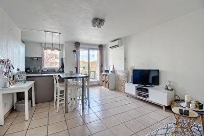 Appartement Vitrolles T2 42 m2 loue Residence recente
