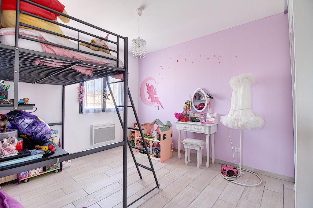 Maison individuelle de 2017 superficie habitable de 106 m² et garage