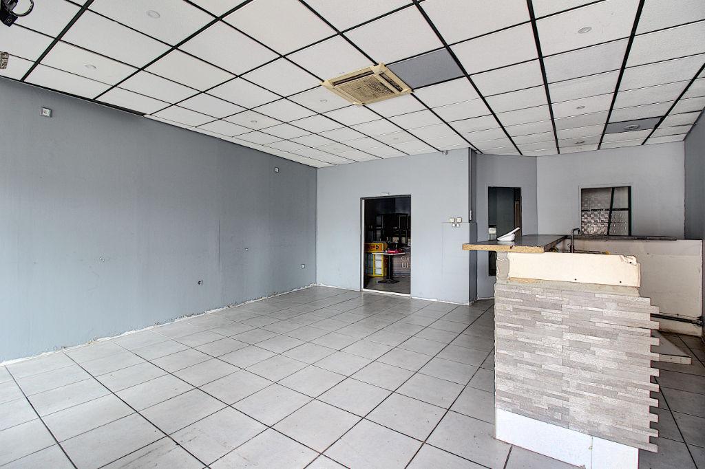 Local commercial Vitrolles 80 m² environ