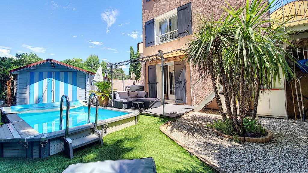 photos n°1 Maison T6 avec piscine, jacuzzi, dépendance et suite parentale en rez-de-chaussée à Vitrolles