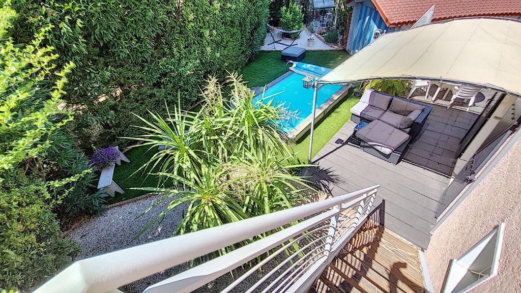 Maison T6 avec piscine, jacuzzi, dépendance et suite parentale en rez-de-chaussée à Vitrolles
