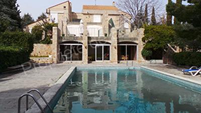 Villa Cassis (13260) 8 pieces 254m2+  Terrain 3300 m2