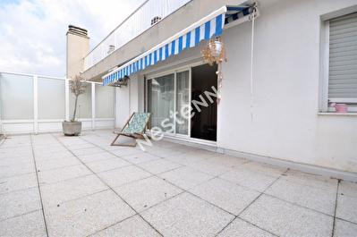 Appartement Marseille (13006) 3 pieces 60 m2 + 28m2 terrasse + balcon+cave